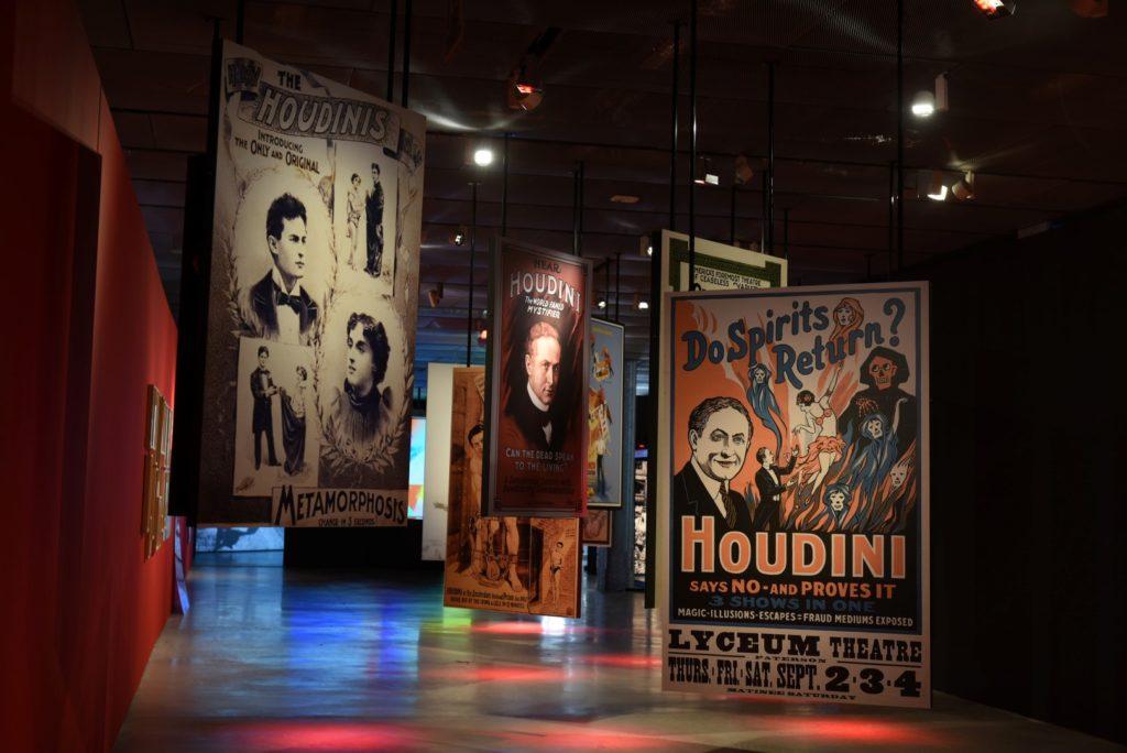 Carteles Exposicion Houdini